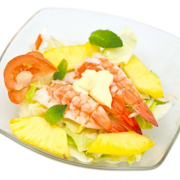 Salade de crevettes aux crudités et ananas