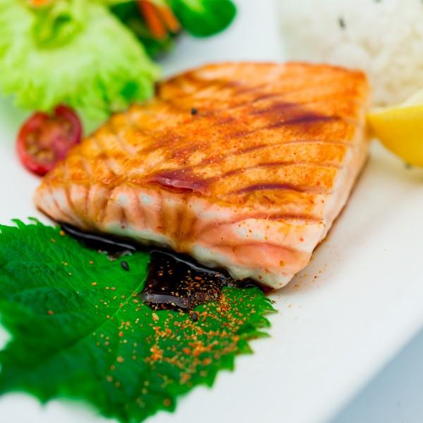 Filet de saumon au sel et poivre