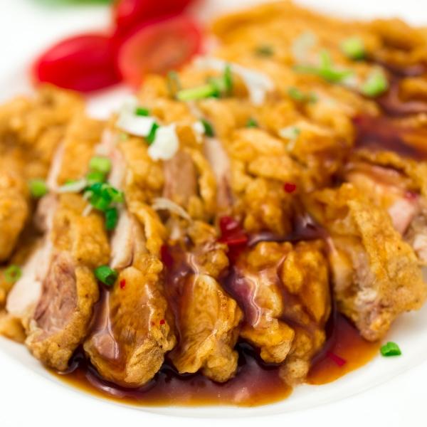 Assiette de poulet croustillant