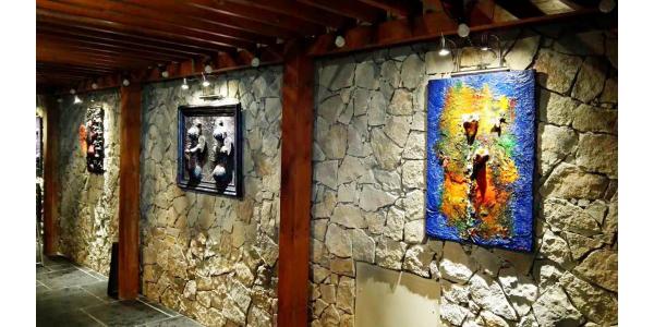 Le peintre sculpteur Lisa Sparta  expose chez PANASIA CAP 3000